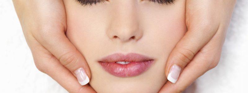 uitgebreide-gezichtsbehandeling-decollete-nek-gelaat-massage-3
